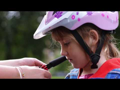 Play on Pedals: Chapter 2, Safety checks and helmets